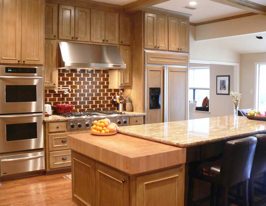 Thick maple butcher block countertop kitchen in dallas texas for Who makes the best kitchens