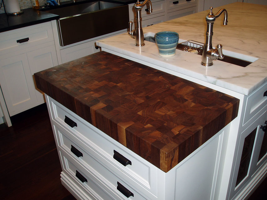 Butcher Block Countertops Reviews by Grothouse Customers : walnutbutcherblockcountertopNJ from www.glumber.com size 856 x 642 jpeg 106kB