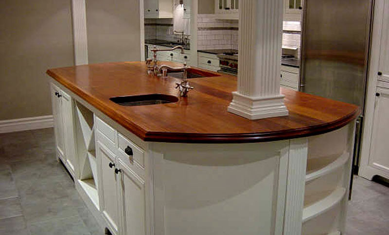 Merveilleux African Mahogany Wood Counter