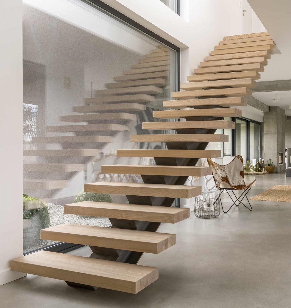 Floating Custom Wood Stair Treads Made from Light Wood