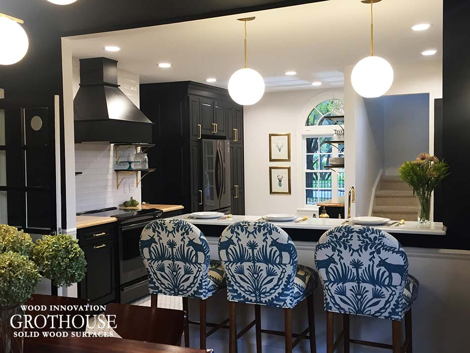 Traditional Kitchen Design with Ash Wood Kitchen Countertops and Black Cabinets in Royal Oak, MI